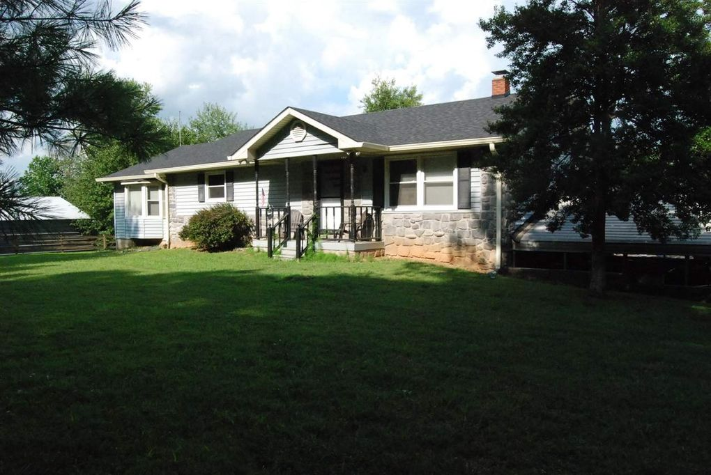 1668 Shores Rd Scottsville, KY 42164