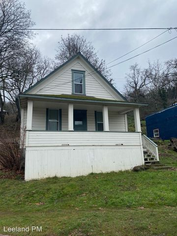 Photo of 111 State St, Hood River, OR 97031