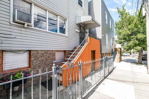 Maspeth Ny Multi Family Homes For Sale Real Estate Realtor Com