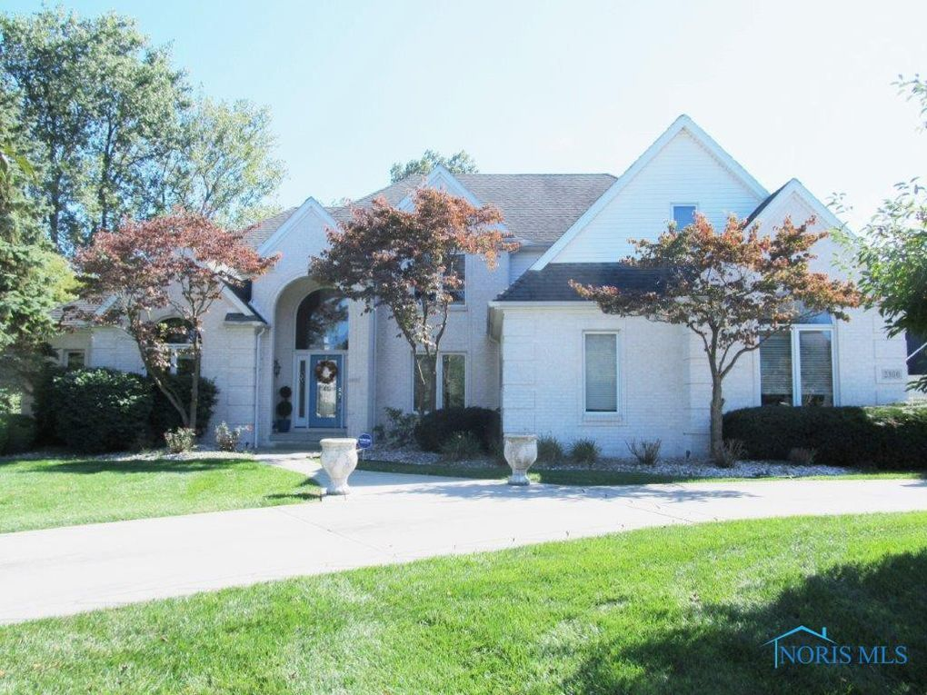 2300 Waterford Village Dr Sylvania, OH 43560