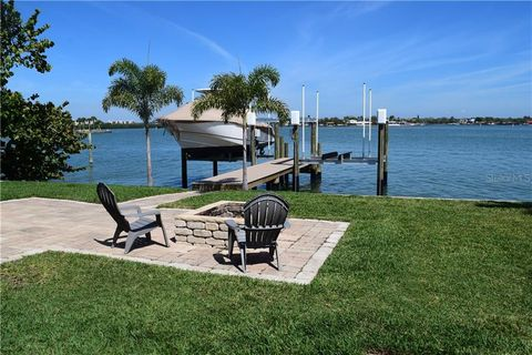 Photo of 6972 S Shore Dr S, South Pasadena, FL 33707