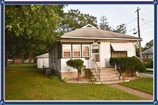 18139 School St Lansing, IL 60438
