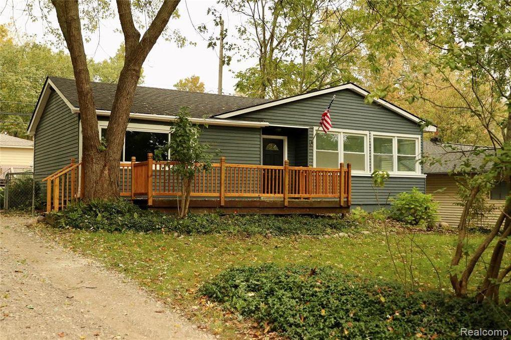 11414 Ember Springfield Township, MI 48350