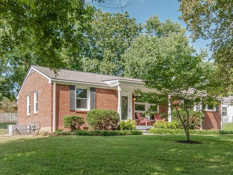 Photo of 202 Pleasant Dr, Columbia, TN 38401