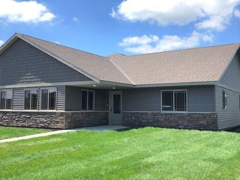 Photo of 623 Washburn Ave, Belgrade, MN 56312
