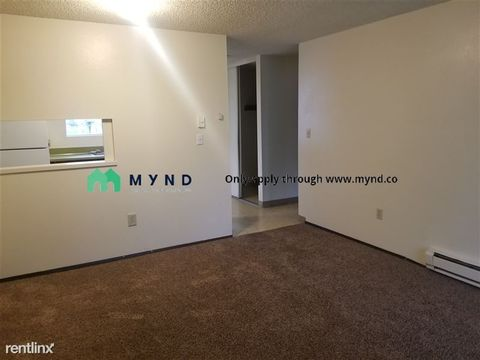 Photo of 1002 Hillcrest St Apt A4, Grandview, WA 98930