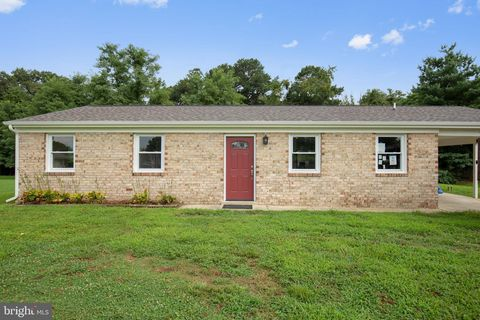 Photo of 6055 Dawn Dr, Prince Frederick, MD 20678