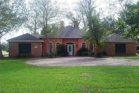 Photo of 3129 W Prien Lake Rd, Lake Charles, LA 70605