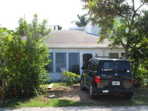 2932 Seidenberg Ave, Key West, FL 33040 on navy lodge key west, southernmost point key west, navy base in key west, distance from key largo to key west, specials to key west, mallory square key west, today's weather in key west, us coast guard station key west, sigsbee housing key west, the revivalists key west, us naval air station key west, sheraton key west, duval street key west, nyah key west, margaritaville key west, military campground key west, prettiest beach in key west, butterfly and nature conservatory key west,