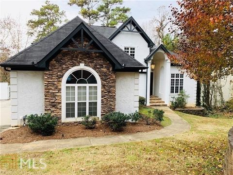 Photo of 170 Boulder Dr, Roswell, GA 30075