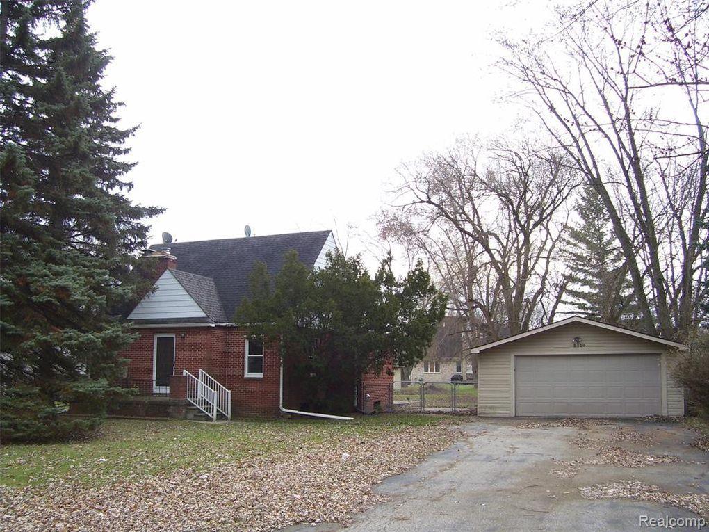2324 Maplecrest Rd Sterling Heights, MI 48310