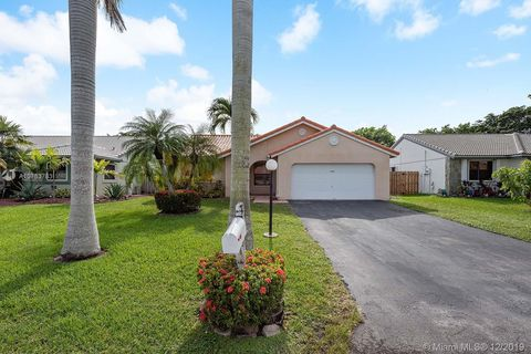 Photo of 15510 Gauntlet Hall Mnr, Davie, FL 33331