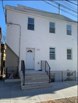 305 York Ave, Staten Island, NY 10301