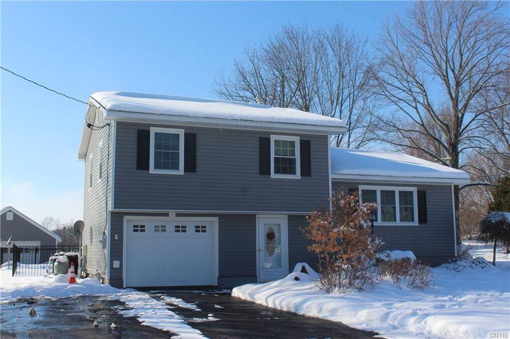 5593 Sunview Dr Elbridge, NY 13060