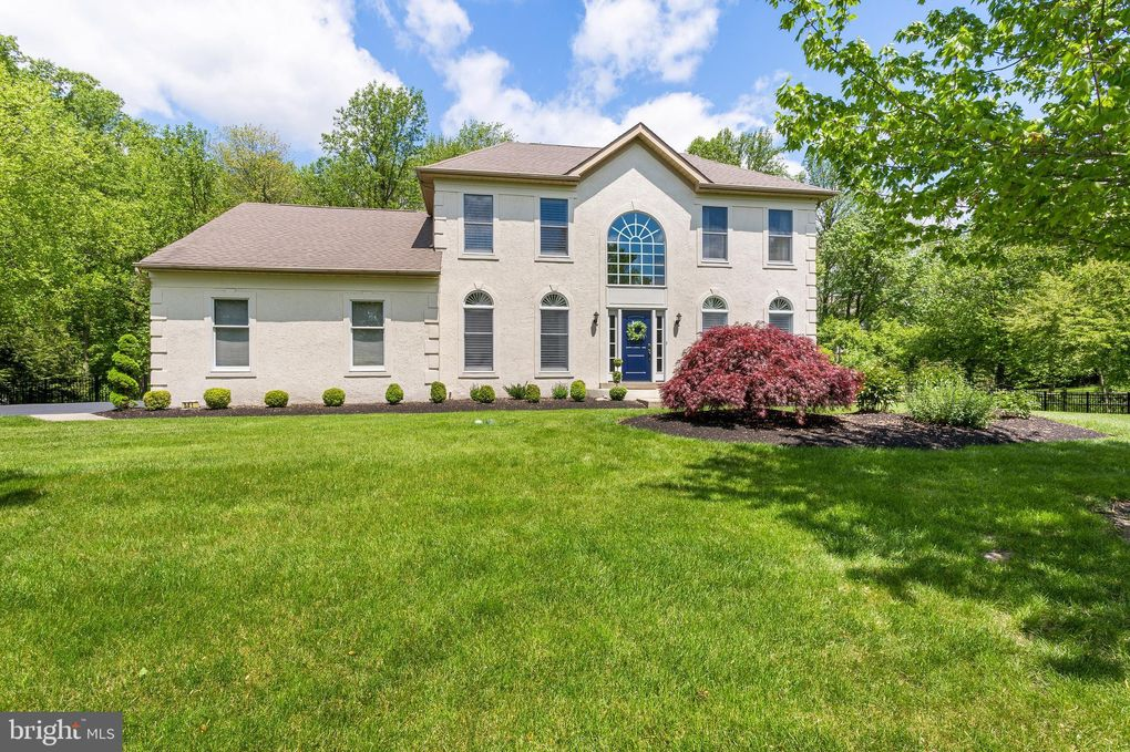 581 Hearthstone Dr Yardley, PA 19067