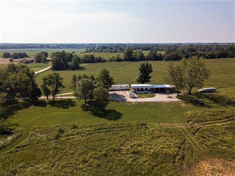 Photo of 660 Sw 1871st Rd, Holden, MO 64040