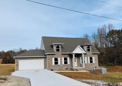 Photo of 163 Bobwhite Dr, Sparta, TN 38583