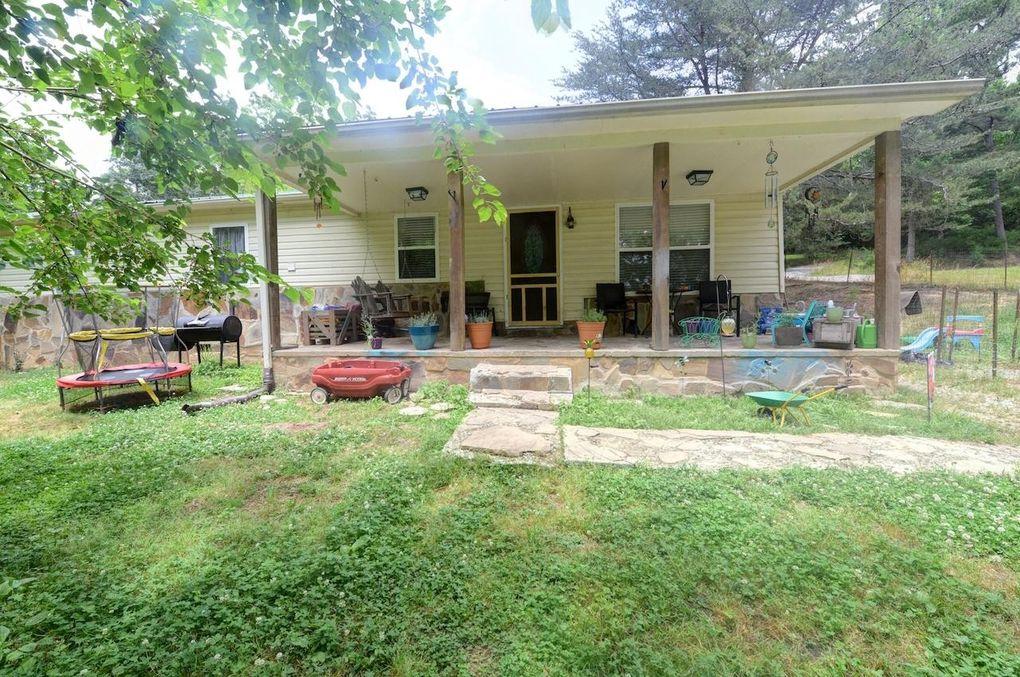 733 Cottontail Ln Sale Creek, TN 37373
