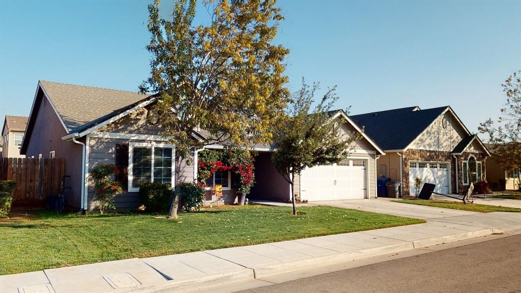 584 S Filbert Ave Fresno, CA 93727
