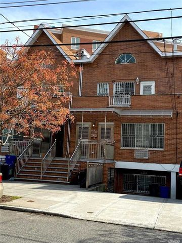 Photo of 18320 Booth Memorial Ave, Fresh Meadows, NY 11365