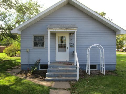 Photo of 211 Creek St S, Iroquois, SD 57353