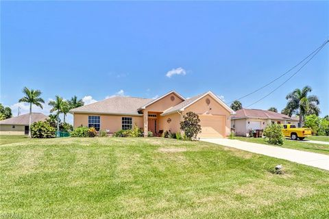 Photo of 1713 Nw 15th Ave, Cape Coral, FL 33993