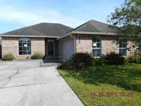 2608 Sand Bar Ln, Marrero, LA 70072
