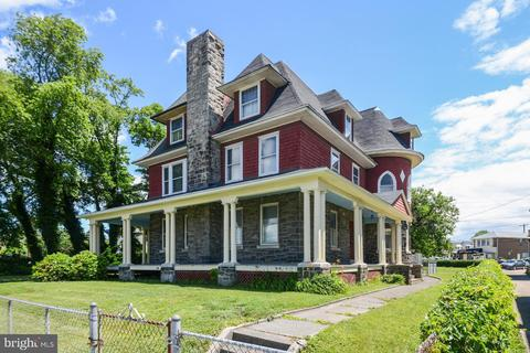 7347 Oxford Ave, Philadelphia, PA 19111