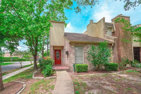 Photo of 6322 Meredith Dr, Bellaire, TX 77401