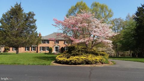 13110 Cedar Ridge Dr, Clifton, VA 20124