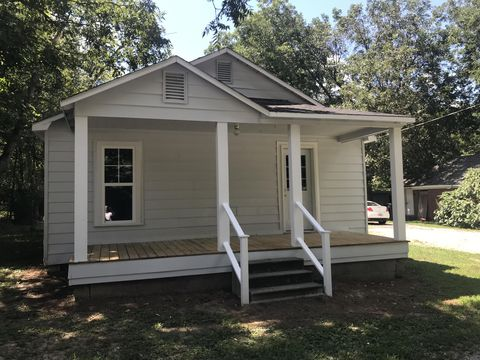 Photo of 109 Brewer St, Booneville, MS 38829