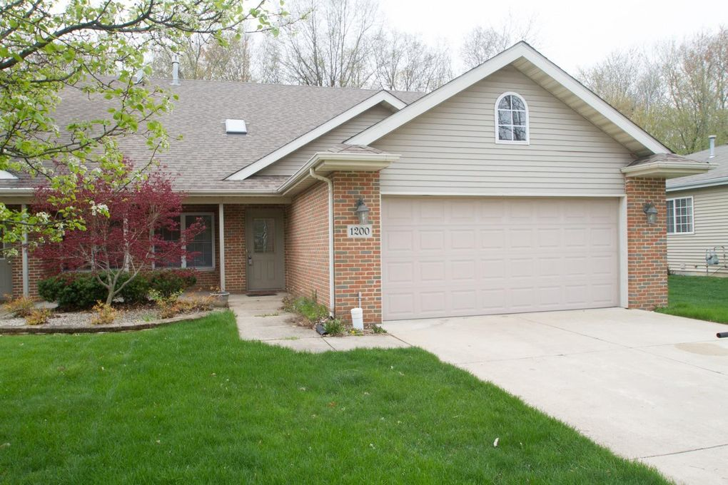 1200 Griffin Lake Ave Chesterton, IN 46304