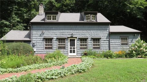 Photo of 39 E Mountain Rd N, Cold Spring, NY 10516