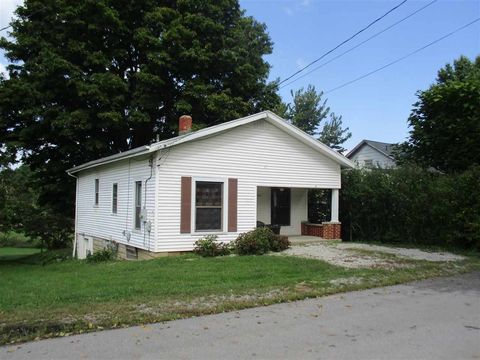 417 Broad St, Falmouth, KY 41040