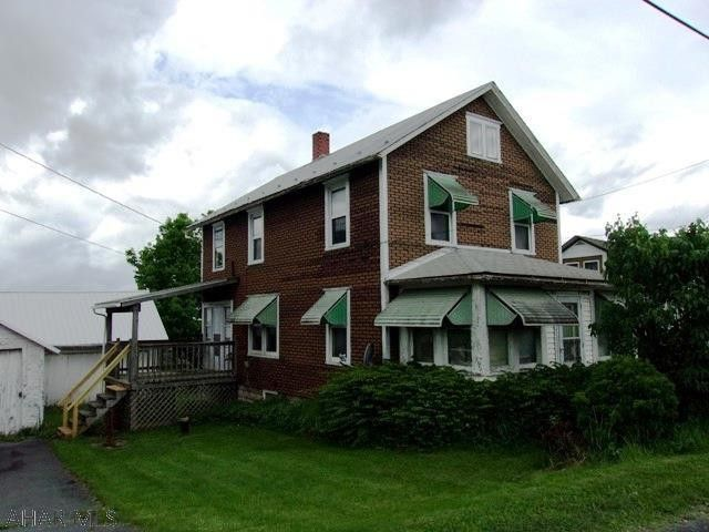 179 N Main St, Breezewood, PA 15533