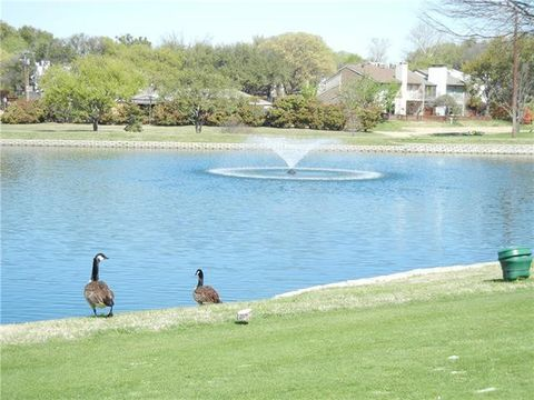 Photo of 2912 Country Place Cir, Carrollton, TX 75006