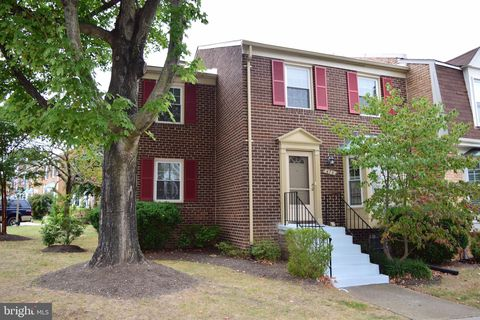 Photo of 476 Colonial Ridge Ln, Arnold, MD 21012