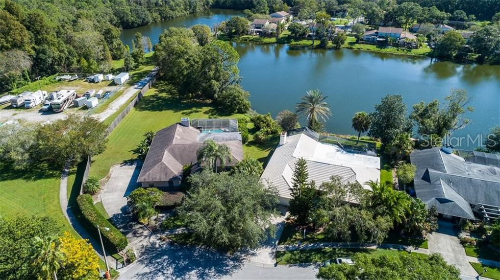 14947 Lake Forest Dr, Lutz, FL 33559