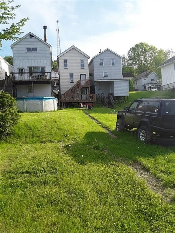 222 Whittier St, Vandergrift, PA 15690