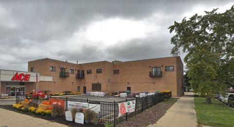 Photo of 5911 N Northwest Hwy Unit 202, Chicago, IL 60631