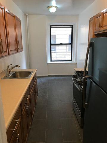 Photo of 2160 Bolton St Apt 3 E, Bronx, NY 10462