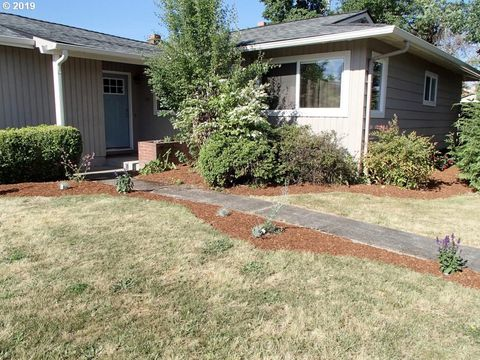Photo of 1230 Nw 10th St, Corvallis, OR 97330