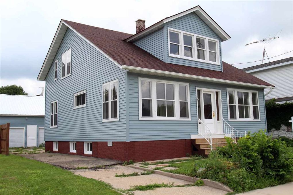 505 S 2nd St Watertown, WI 53094