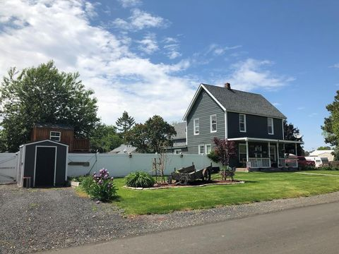 Photo of 550 N Hunt St, Athena, OR 97813