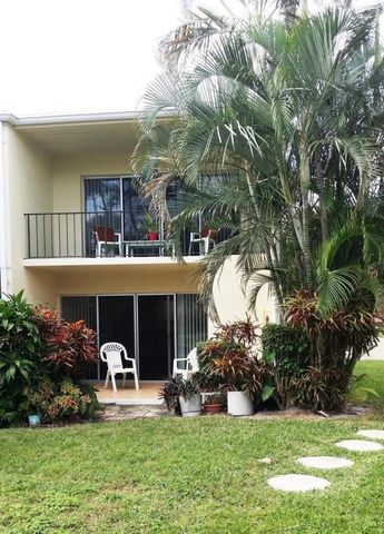 394 Golfview Rd Apt F, North Palm Beach, FL 33408