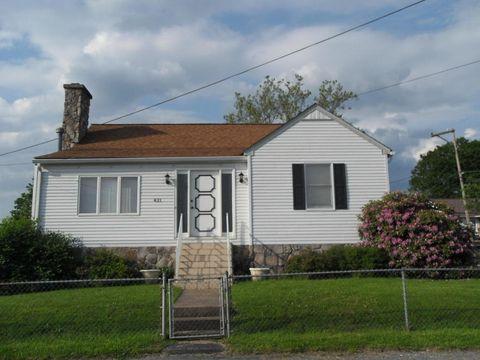 431 Pea Ridge Rd, Oak Hill, WV 25901