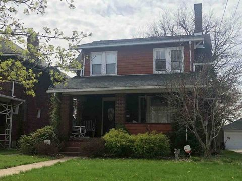 Photo of 134 E Leasure Ave, New Castle, PA 16101