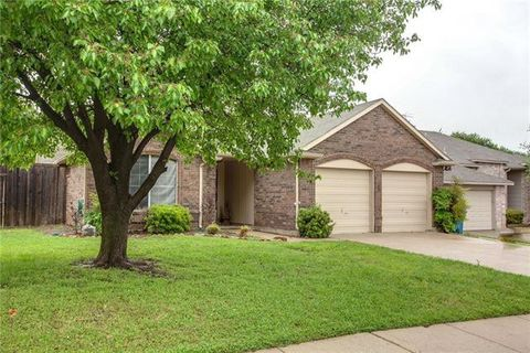 Photo of 2212 Shelmar Dr, Flower Mound, TX 75028