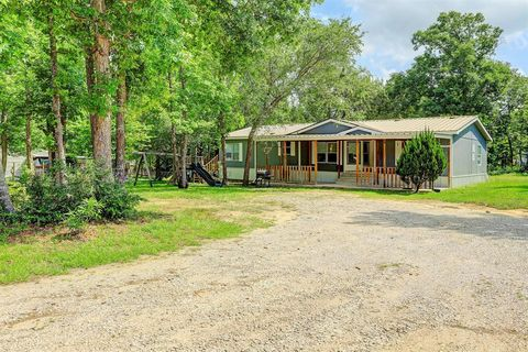 Photo of 11246 Camp Creek Way, Willis, TX 77378