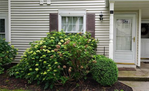 Photo of 297 Fairview Cir, Middle Island, NY 11953